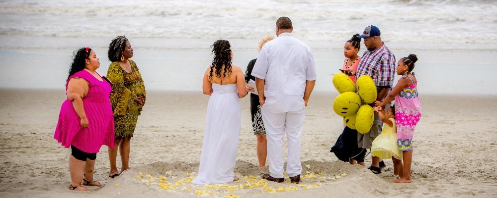 Slider Myrtle Beach Wedding Couple Says Their Vows